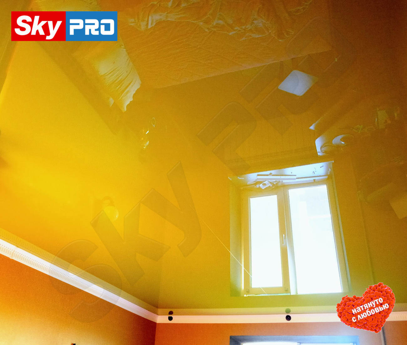 Цветной глянцевый натяжной потолок Лайт цена за метр